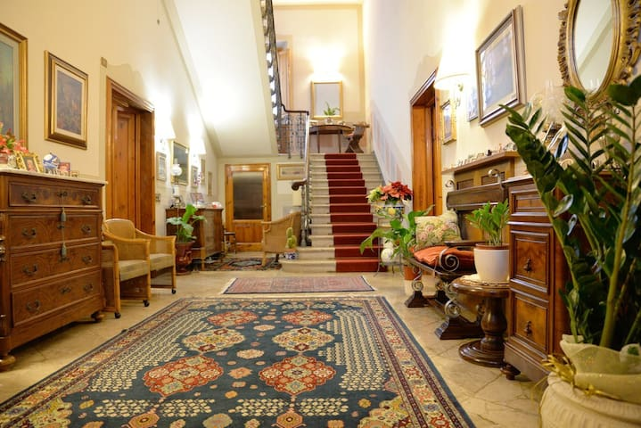 villa in leonardo's homeland - Vinci - วิลล่า