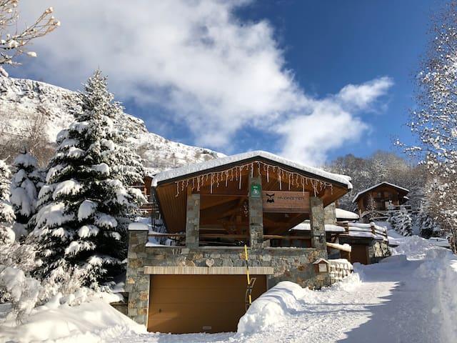 Chalet Lichen - Ski in Ski Out 70m to Ski Lift