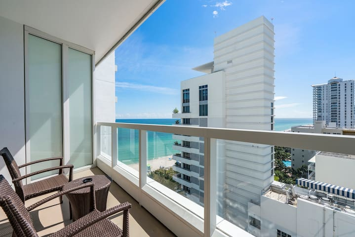 Fontainebleau Hotel Jr Suite Ocean/City Views, Pools, Spa, Gym
