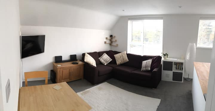 Two bed first floor flat in Abingdon Market Town