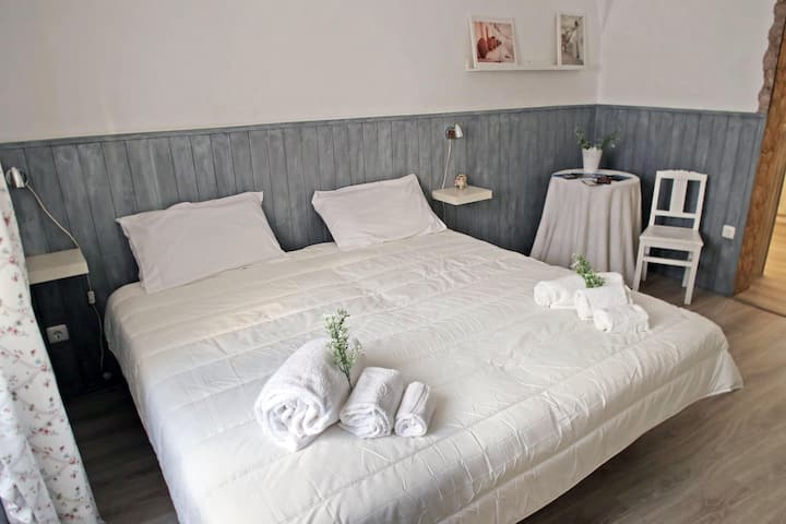 Serpa Guest Room 1