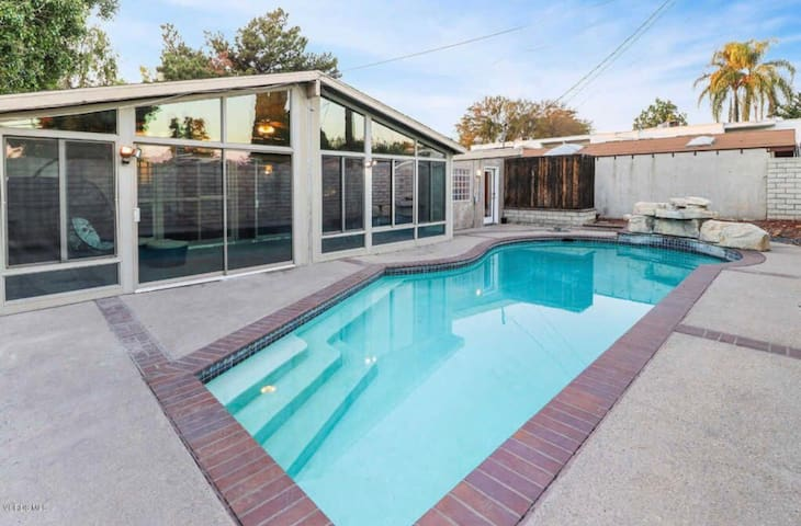Private full house 4+2 with pool
