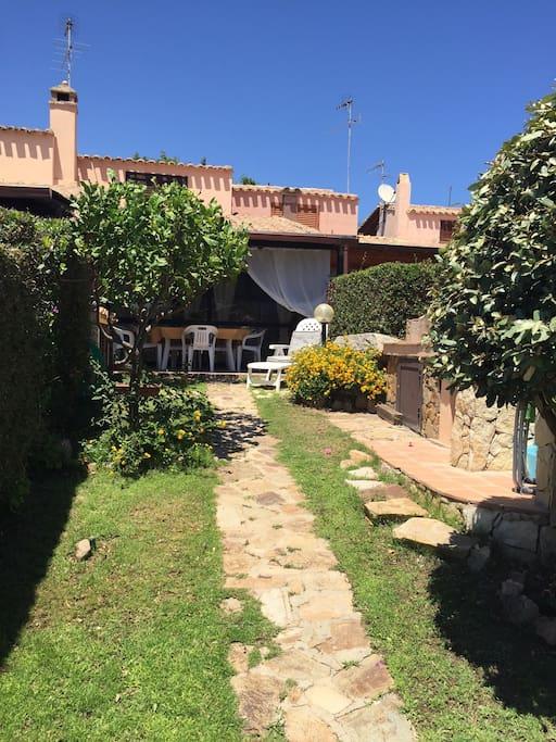 Giardino:Barbecue+Doccia