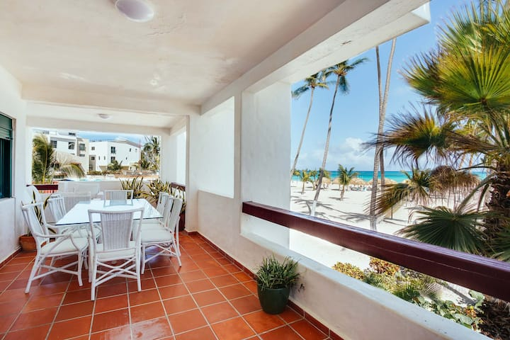Beachfront Apartment with amazing beach views SMB202