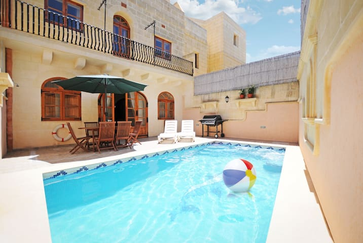 A Holiday House in the heart of Gozo - Żebbuġ - Ev