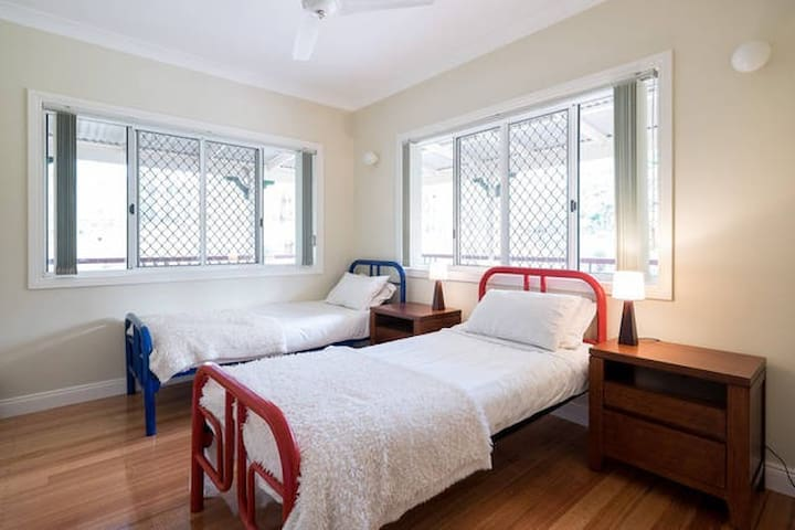 Country Retreat close to Brisbane (2 Single Beds) - Cashmere - Aamiaismajoitus