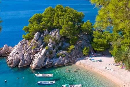 Makarska Riviera- Holiday Villa Peter with Jacuzzi