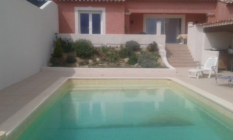 villa 135m2 piscine au calme - Cannes-et-Clairan - บ้าน