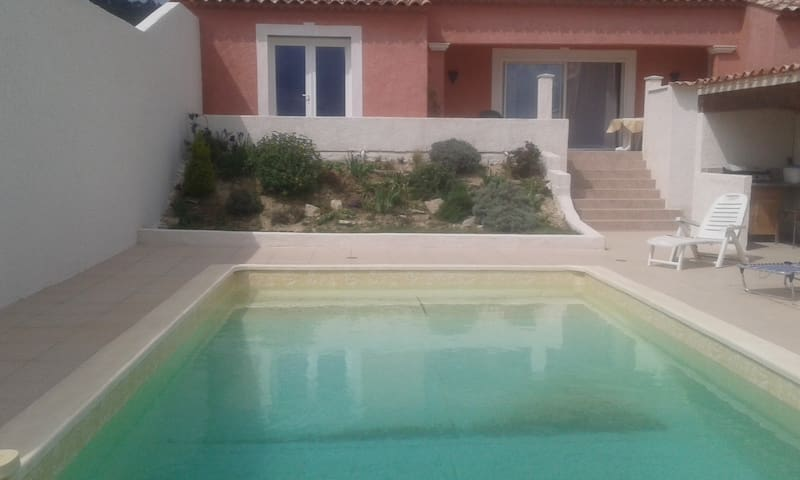 villa 135m2 piscine au calme - Cannes-et-Clairan