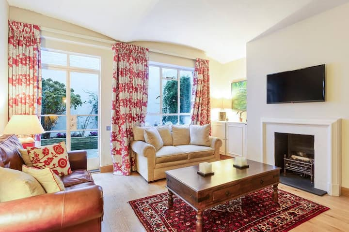 Elegant 1Bed in Knightsbridge with Large Patio
