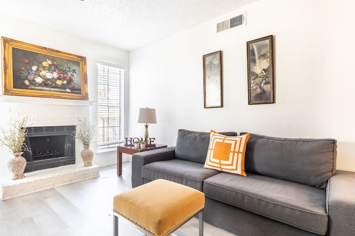 CONVENIENTLY LOCATED! NEWLY UPGRADED 1 BED 1 BATH!