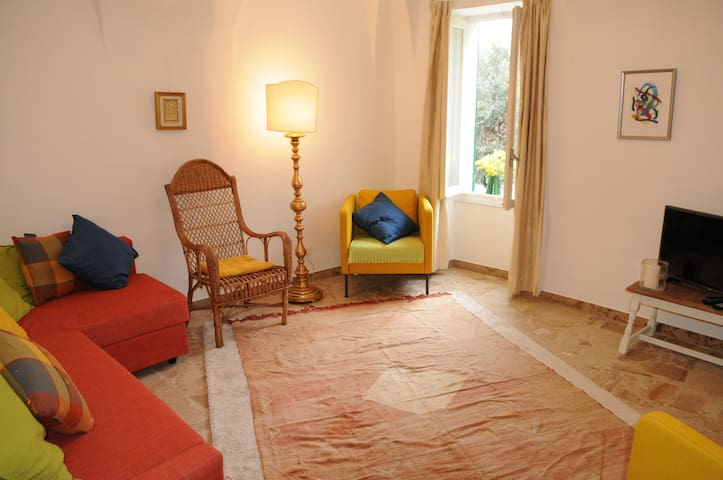 Italian holiday apartment 20 mins from sea slps 7 - Muzio - Appartement