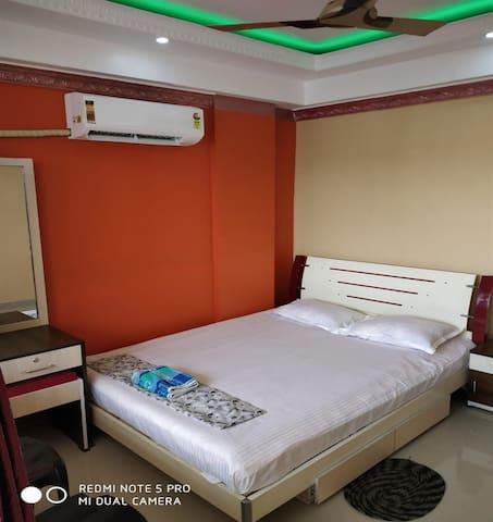 Poddar homestay(2BHK service Flat room1) nabadwip.