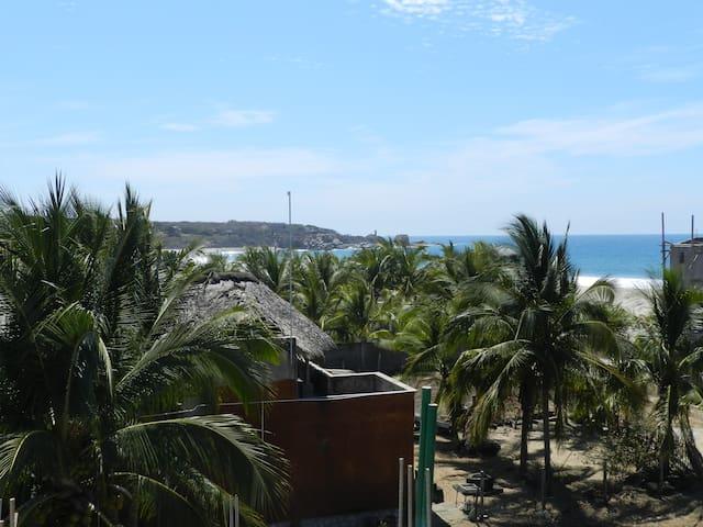 Steps from the Beach-grnd. fl # 1 - Brisas de Zicatela - Hus