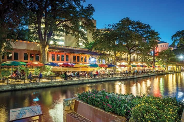 RiverSide Suites- San Antonio, TX -2BD Sleeps 6ppl