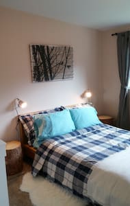 Homey Room for Two - Golden - Radhus
