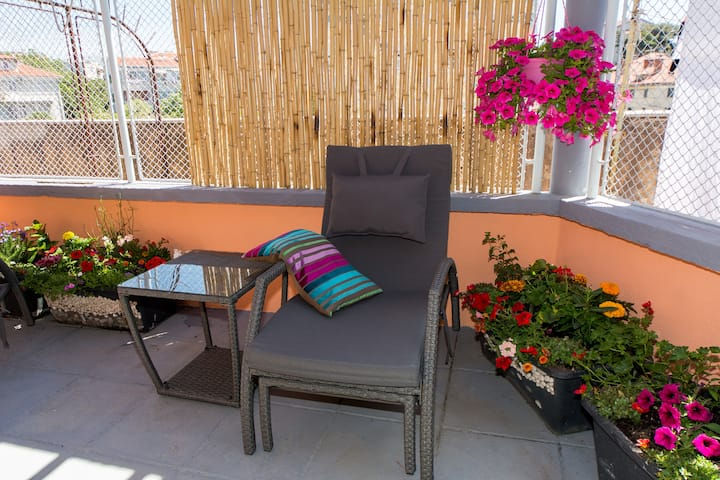 Studio apartment Agava with terrace near Old Town