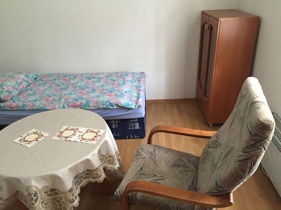 Chambre pas cher 15m2 pr s de l 39 a roport maisons de for Location chambre pas cher