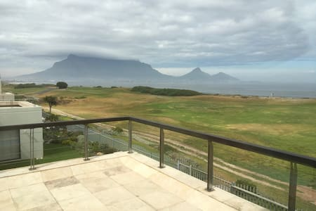 Modern Golf and Beach Front Home - Cape Town