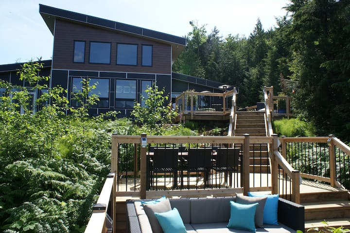 American Creek Lodge - New Patio & Hot Tub