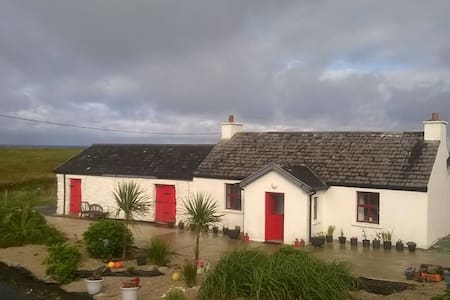 Fanad Cottage - House