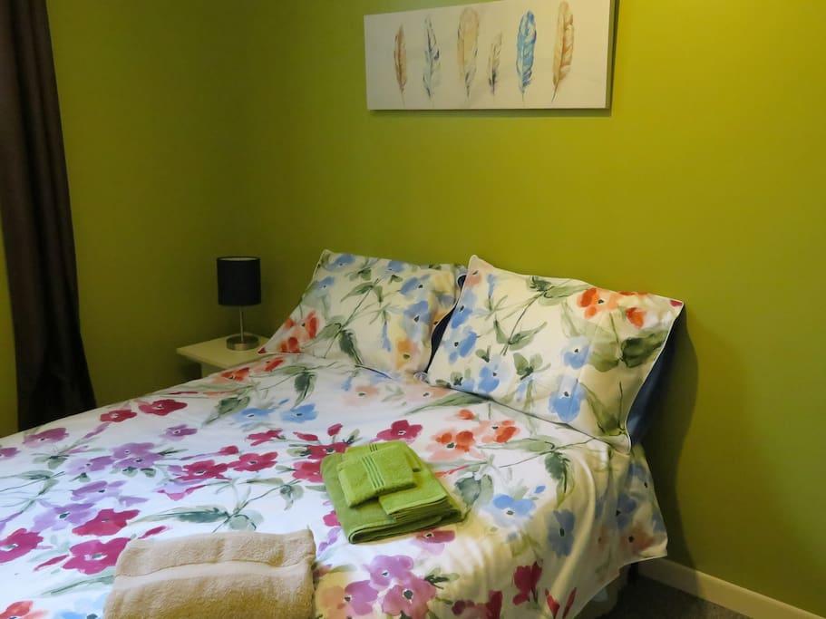 chambre #1 lit double