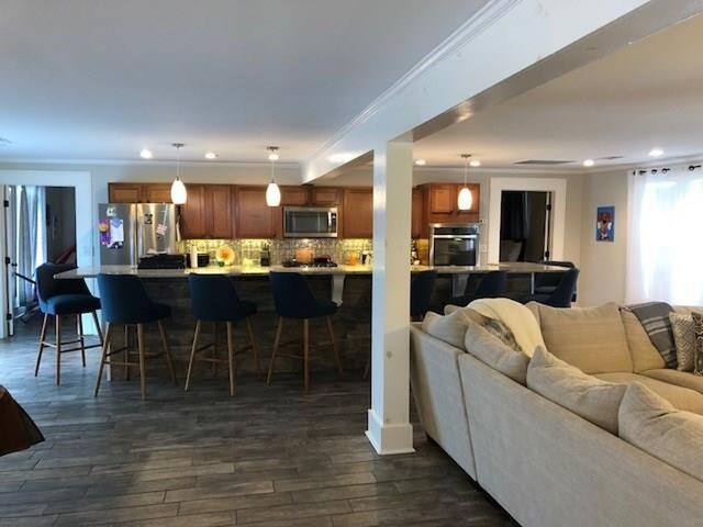 Long Kitchen Island, seating for 8