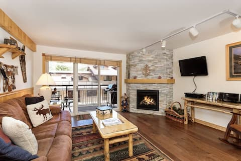 Long Term Stay Discount Crestwood Slopeside Snowmass Mtn. Outdoor Pool/HT, Balcony, Parking, Shuttle