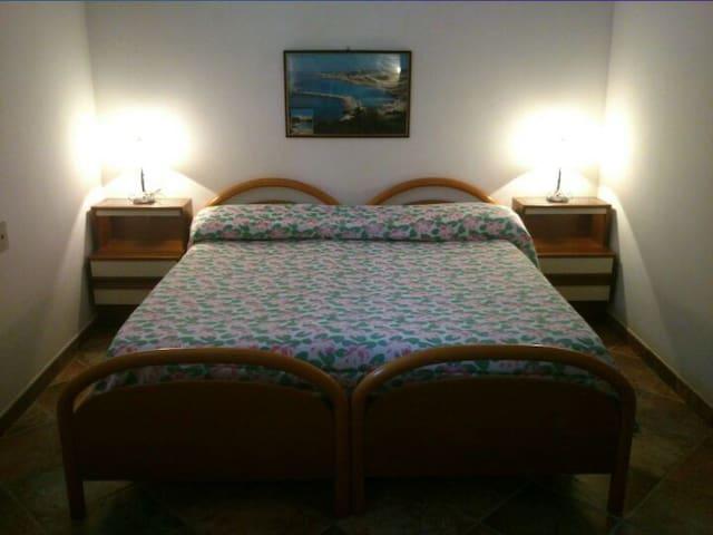 Camera da letto matrimoniale o con due letti singoli