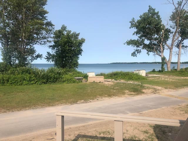 Beach Front Trailer at Sherkston