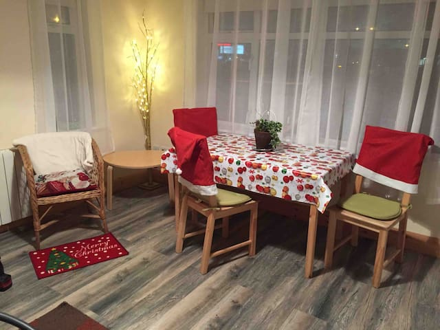 Private self catering 1 bed apartment