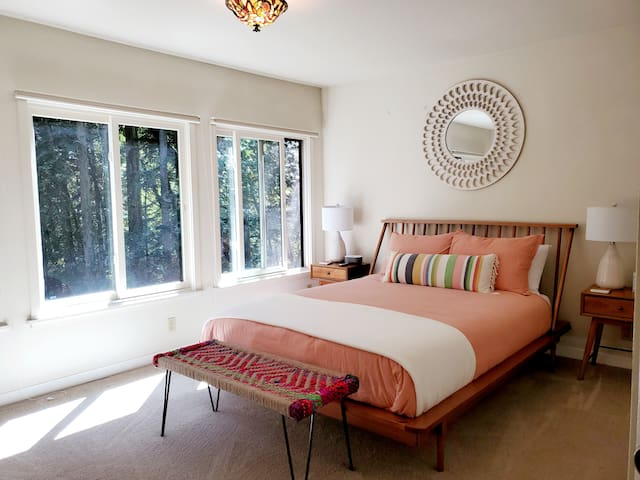 Bright and airy Queen room