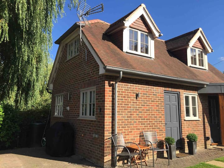 Private Annexe in Hartley Wintney