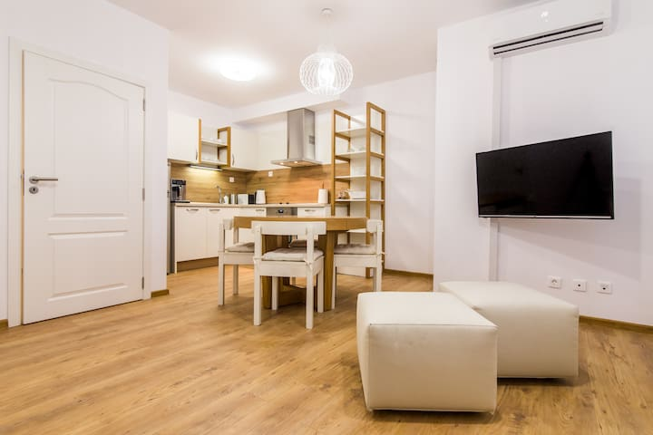 B and B Trust - One-Bedroom Apt - Ruse - Appartement