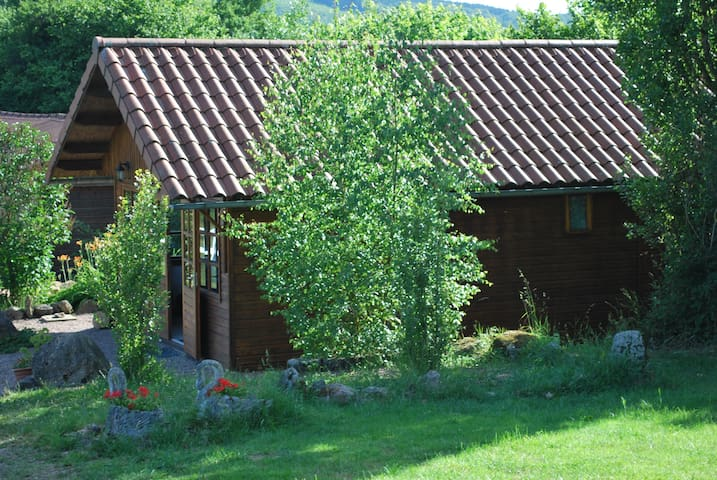 Comfortable chalet, the place - Ouroux-en-Morvan
