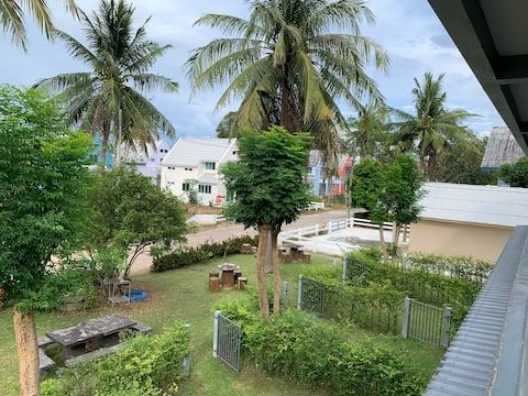 Ban Krut apartment on the beach, Banito Thong Chai