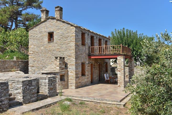 Oliveland House - Traditional stone built cottage