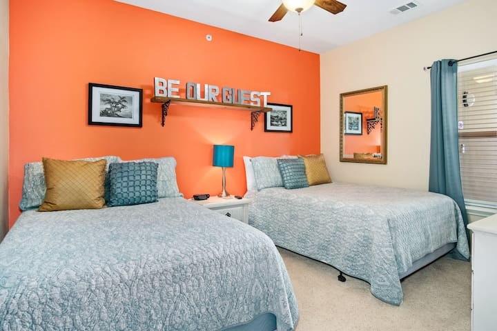 Guest Bedroom with 2 Double Beds - Be Our Guest!