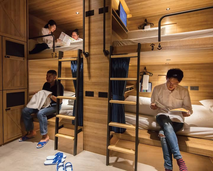 Double Bunk Bed in Mixed Dormitory Room