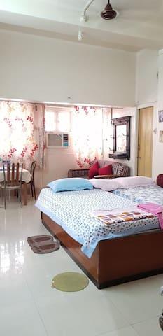 Cozy Nook Studio Apartment/Bed n breakfast.