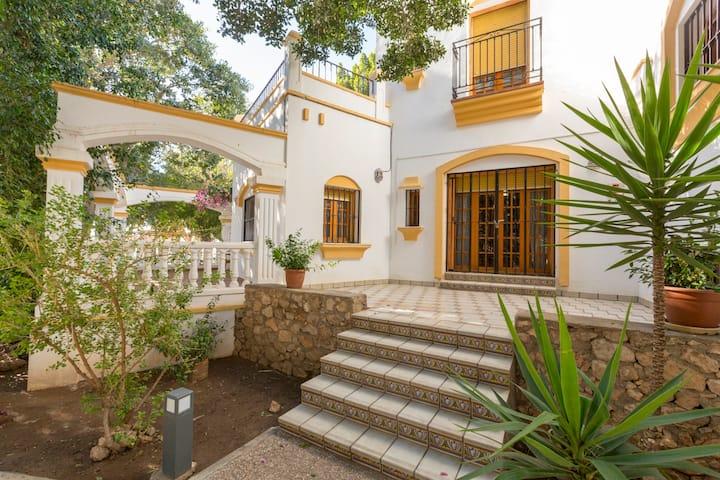 Casa Duende en villa de Níjar con piscina