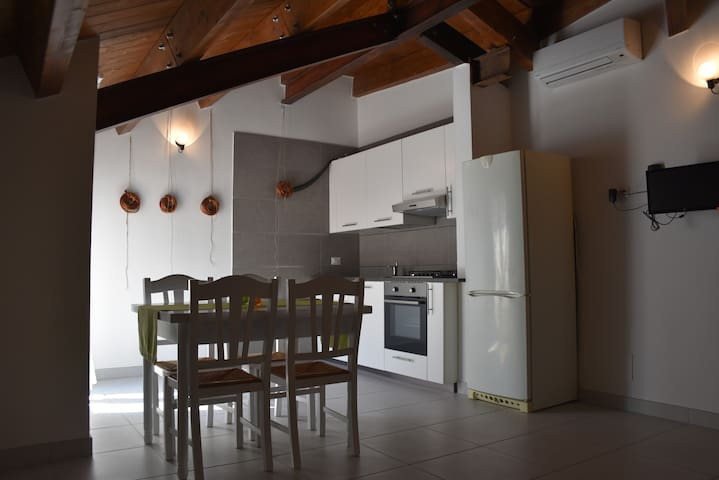 bilocale in residenza  a 50 mt dalla spiaggia - Marina di Chieuti - Apartamento