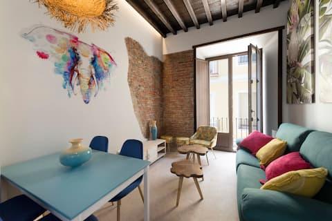 1A. Apartamento con balcon y decoración exclusiva.