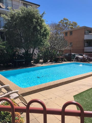 Large room in sunny top floor Coogee apartment