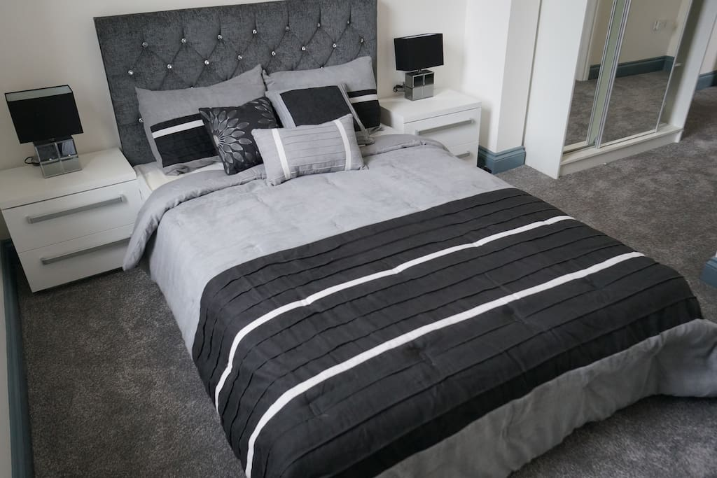 Deluxe Double Room Ensuite with bathroom and shower Rm10