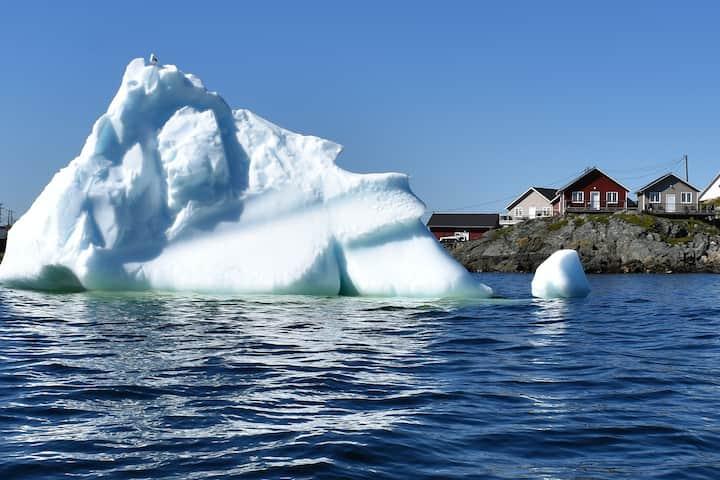 An Atlantic Ocean Retreat - Waterside Cottage #3