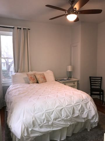 Old Town Alexandria - Walkable and Charming - Alexandria - Townhouse