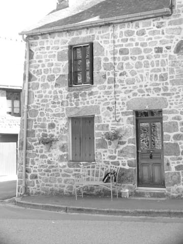Maison Faucon, Lassay les Chateaux - Lassay-les-Châteaux - Rumah