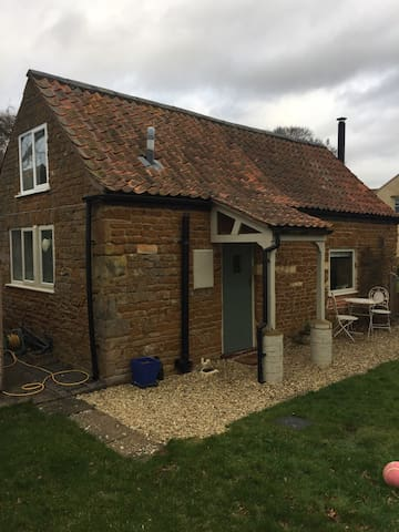 Appletree Cottage - Sproxton - House