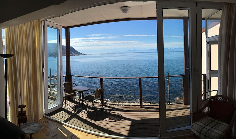 Spectacular views from this Sunny Cove apartment - Kaapstad - Appartement